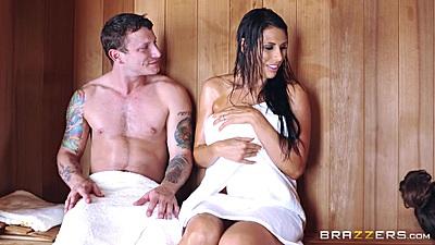 Milf Makayla Cox sitting in sauna