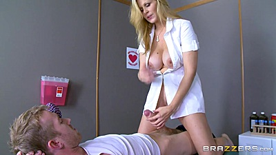 Big dick milf Julia Ann loves fucking in exam room