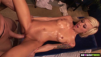 Oiled up massage table front sex with hungry Emma Mae