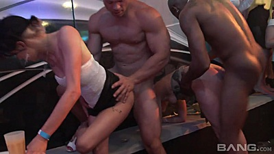 Standing fuck and group orgy at club with happy ladies