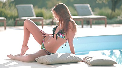 Bikini poolside play with solo Sabrisse