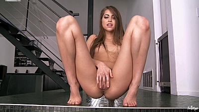 Spreading her legs and touching hairy twat with teasing Riley Reid