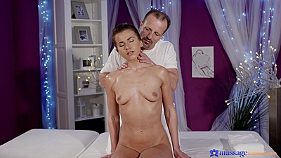 Breathtaking young Paola Mike booking a private oil massage