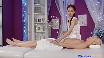 Massage with oil from Cayla Lyons close ups