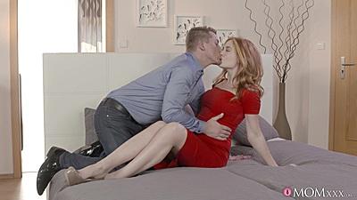 Undressing milf with temping body Eva Berger