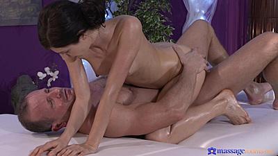 Arian a ukrainian spinner on dick during oil massage