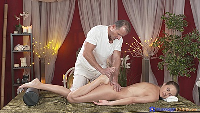 Dreamy massage with nice feet Tina