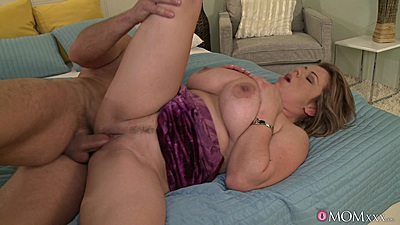 Huge boobs mom with desire Silvy fucked in bed