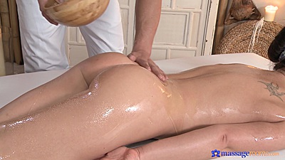 Private massage with Wendy receiving major oil on ass
