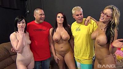 Blowjob winner milfs Nikki Sexx and Mackenzee Pierce and Jennifer White try deep throat