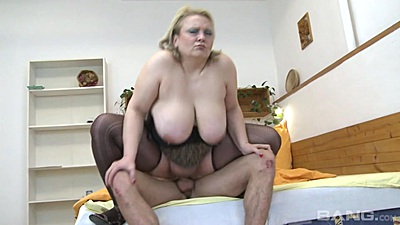 Huge boobies mature Maxime is a mom that loves young boy cock