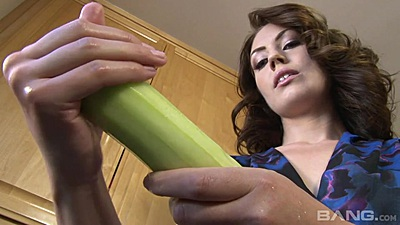 Milf Sarah Shevon gets some vegetables from the store to stretch her holes