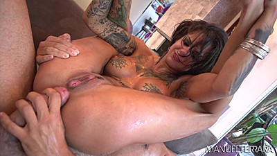 Reverse cowgirl flexible and inked Bonnie Rotten anal riding