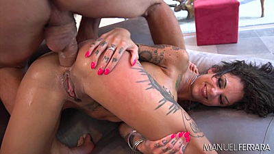 Anal rough sex with tattooed chick Bonnie Rotten