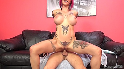 Dick riding in reverse cowgirl with bald pussy tattoed chick Anna Bell Peaks