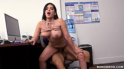 Dick grinding on office chair with latina Kitty Caprice