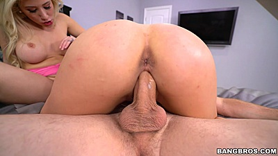 Cristi Ann and Harlow Harrison getting nasty in blonde and brunette ffm threesome