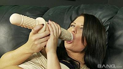Bursty dildo sucking brunette Casey Cumz