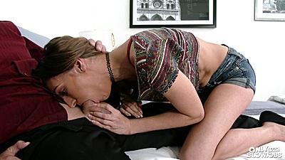 Girls Deep Throat Kissing