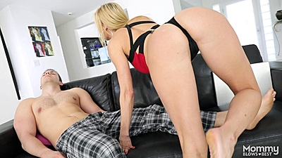 Great body milf Alexis Fawx with nice butt approaching male victim