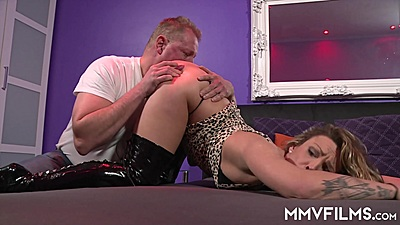 Ass licking with deep throating Honey Diamond on hardcore mission
