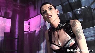 Fetish latex slut Lady Cora solo punishing herself