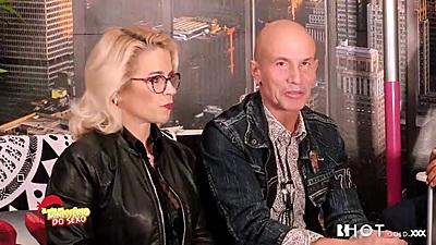 Blondie milf on group video