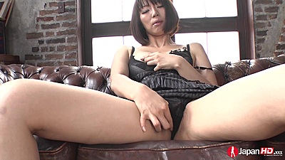 Izumi Manaka touching her own vagina in solo pleasing