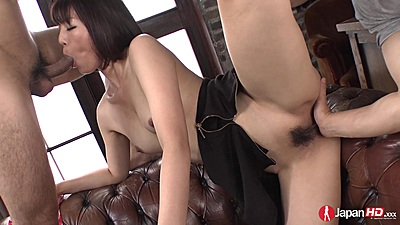 Asian girl vigorously fingered by two men Izumi Manaka