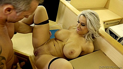 Shaved cunt milf frontal fuck on cubicle table with Alyssa Lynn