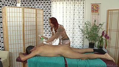 Private massage with asian masseuse Kimberly Chi applying oil on guy