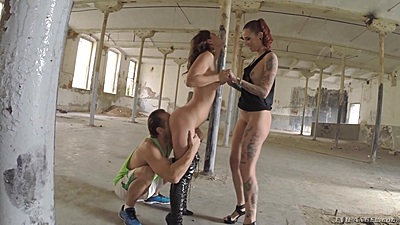 Photographer joins Julia Roca and Silvia Rubi in threesome ass licking