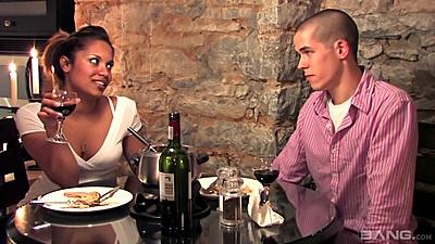 Gaya Patal having romantic dinner and making out