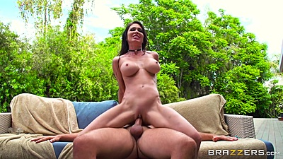 Tapping lovely milf Jessica Jaymes on couch after private massage outdoors