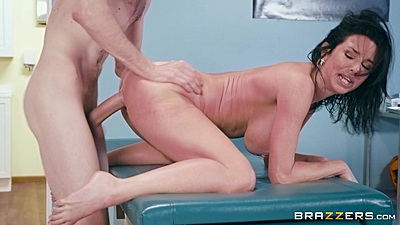 Doctor is crewing this big boobs milf Veronica Avluv and finishing in her open mouth
