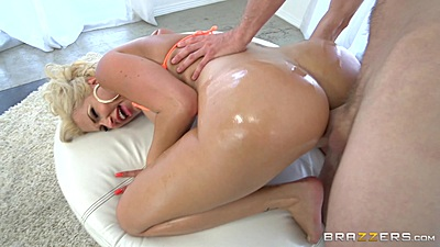 Bubble butt anal with oil doggy penetration from Savana Styles