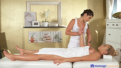 Briana Bounce and Amy Red doing some first time massaging