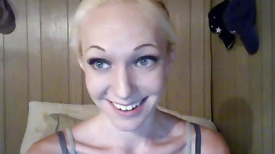 Hottie talks about a dirty sex adventure of hers
