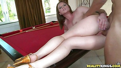Sideways fucking Farrah with a lifted up skrit