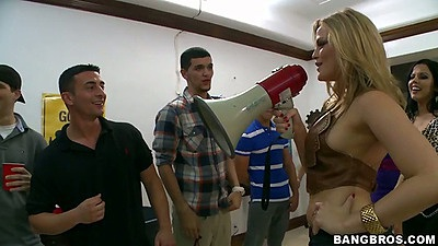 Alexis Fawx and Alexis Texas gather up for a college dorm party