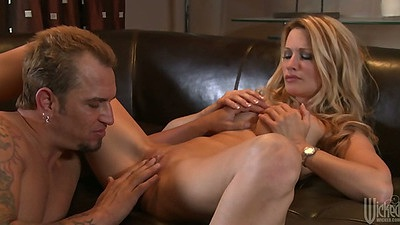 jessica drake a blonde busty milf that needs fingering fucking