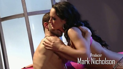 Brunette Alektra Blue making out and nice blowjob