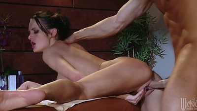 Milf Alektra Blue rear entry hardcore sex with pounding on massage table