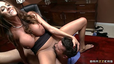 Big tits latina milf Ariella Ferrera pulling dudes head between her legs