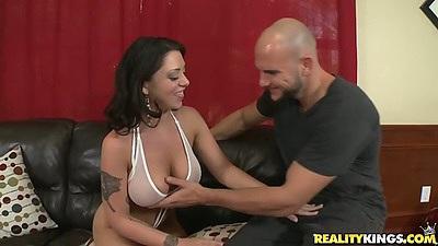 Big tits Melina Mason wearing sexy bra and panties gets licked out