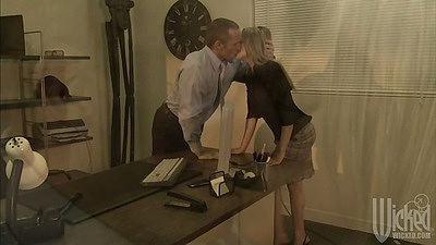 Lexi Love makes out and gets naked for guy at the ofice