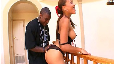 Latina Cassidey shaking round booty and sucking big black cock