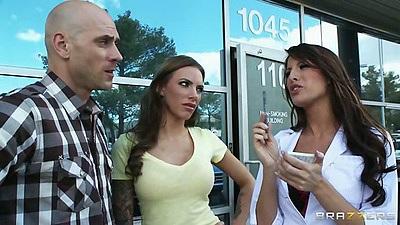 Outdoor meet up with Kortney Kane and Juelz Ventura