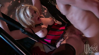 Alexis Texas gets fucked in a sex swing
