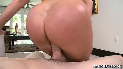 Reverse cowgirl pov sex with Nikki Delano and sideways entrance